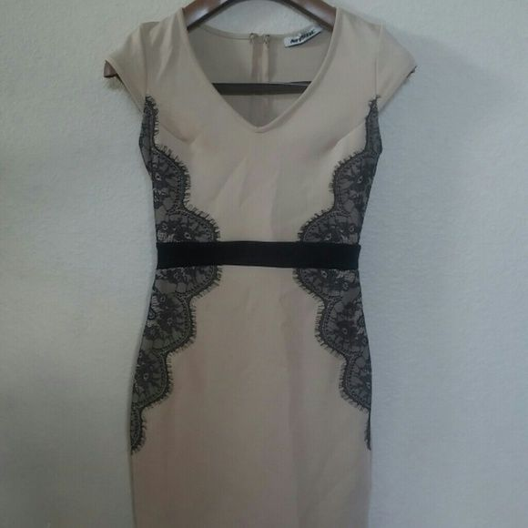 Bodycon Dress Stretchy polyester tight dress. Lace on sides. Excellent condition. Mystic Dresses Midi