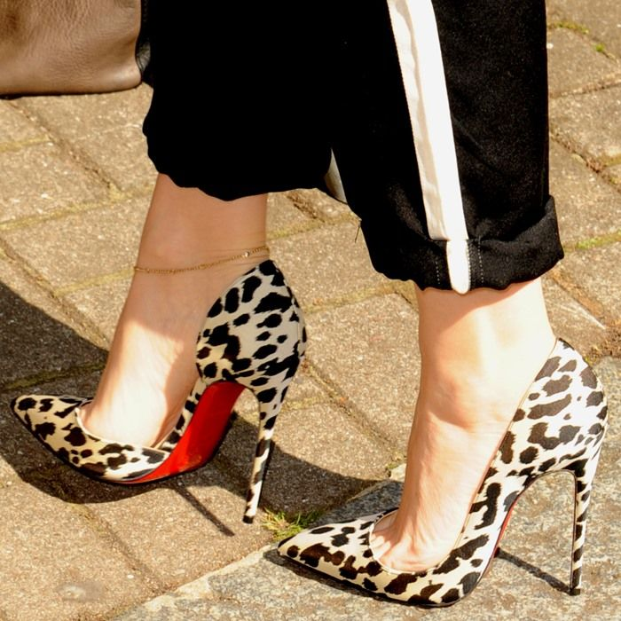 Kylie Minogue in Animal Print 'Iriza' d'Orsay Pumps by Christian Louboutin