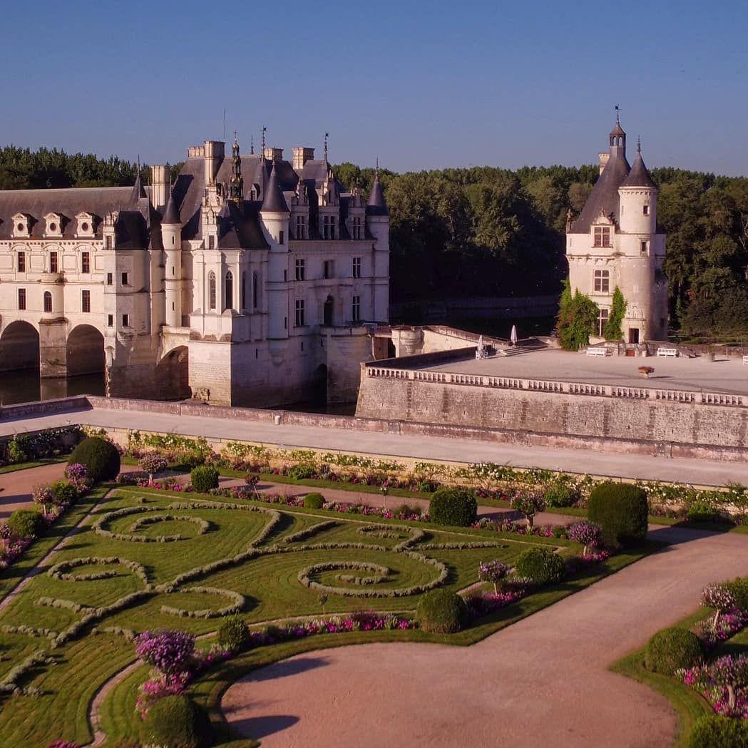 """My Loire Valley on Instagram: """"🏰 Le château des dames, l'un des plus célèbres châteaux de la Loire, sous un angle différent. Attention à ne pas confondre Chen…"""