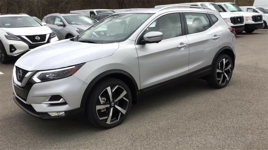 Used 2020 Nissan Rogue Sl Brilliant Silver Metallic Nissan Rogue Sport With 0 Available Now 2020 Is In Stock And For Sale Mycarboard Com Nissan Rogue Nissan Rogue Sl Sports Cars For Sale