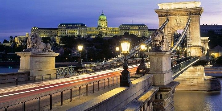 Chain Bridge, Budapest, northern and central Hungary, Hungary, Europe
