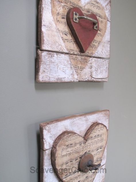 Valentine wooden heart -Pallet wood, vintage sheet music and rusty junk upcycle #palettendeko