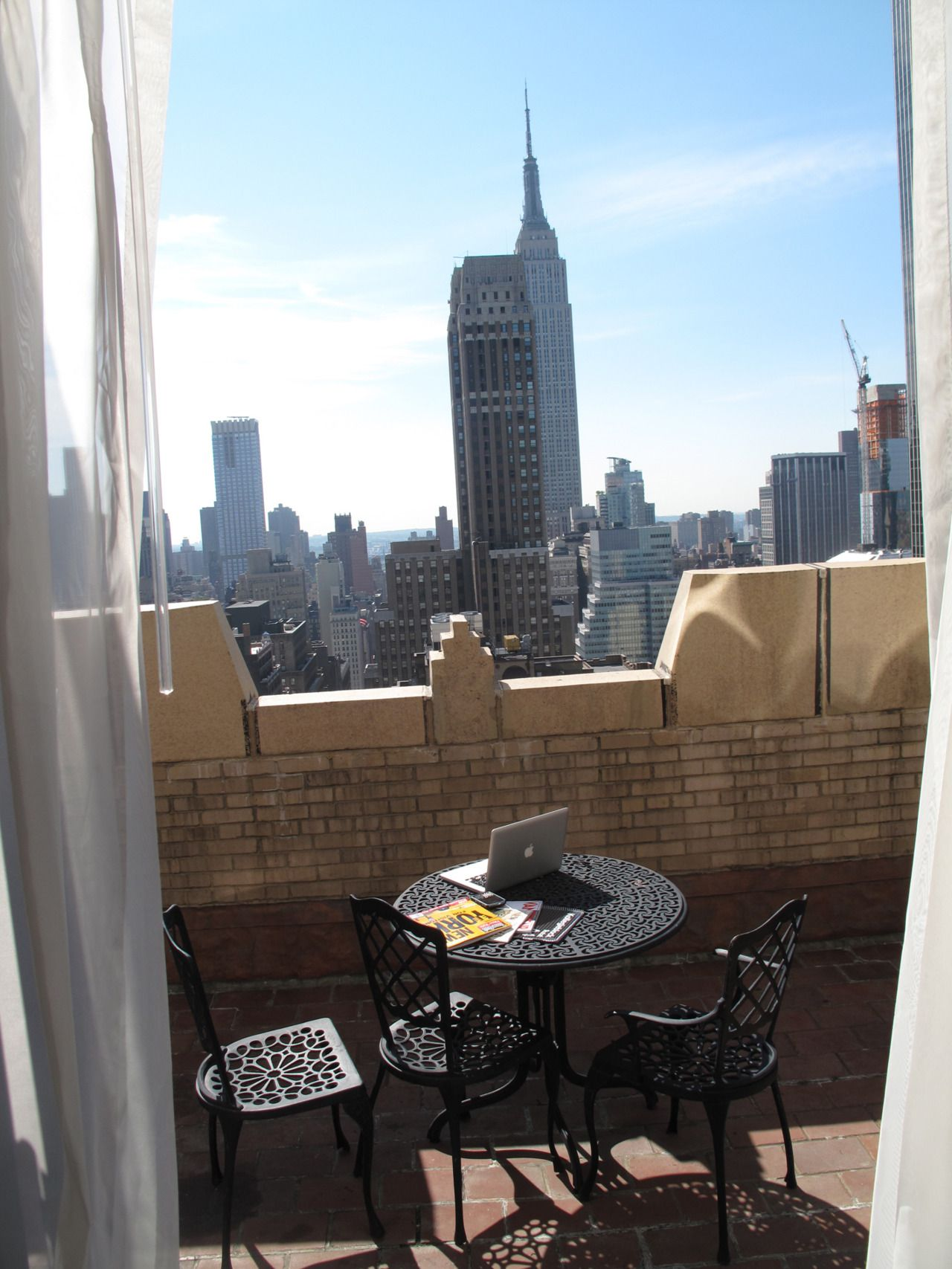Manhattan Balcony, Rooftop