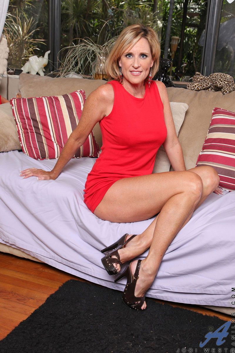 Mature Jodi west