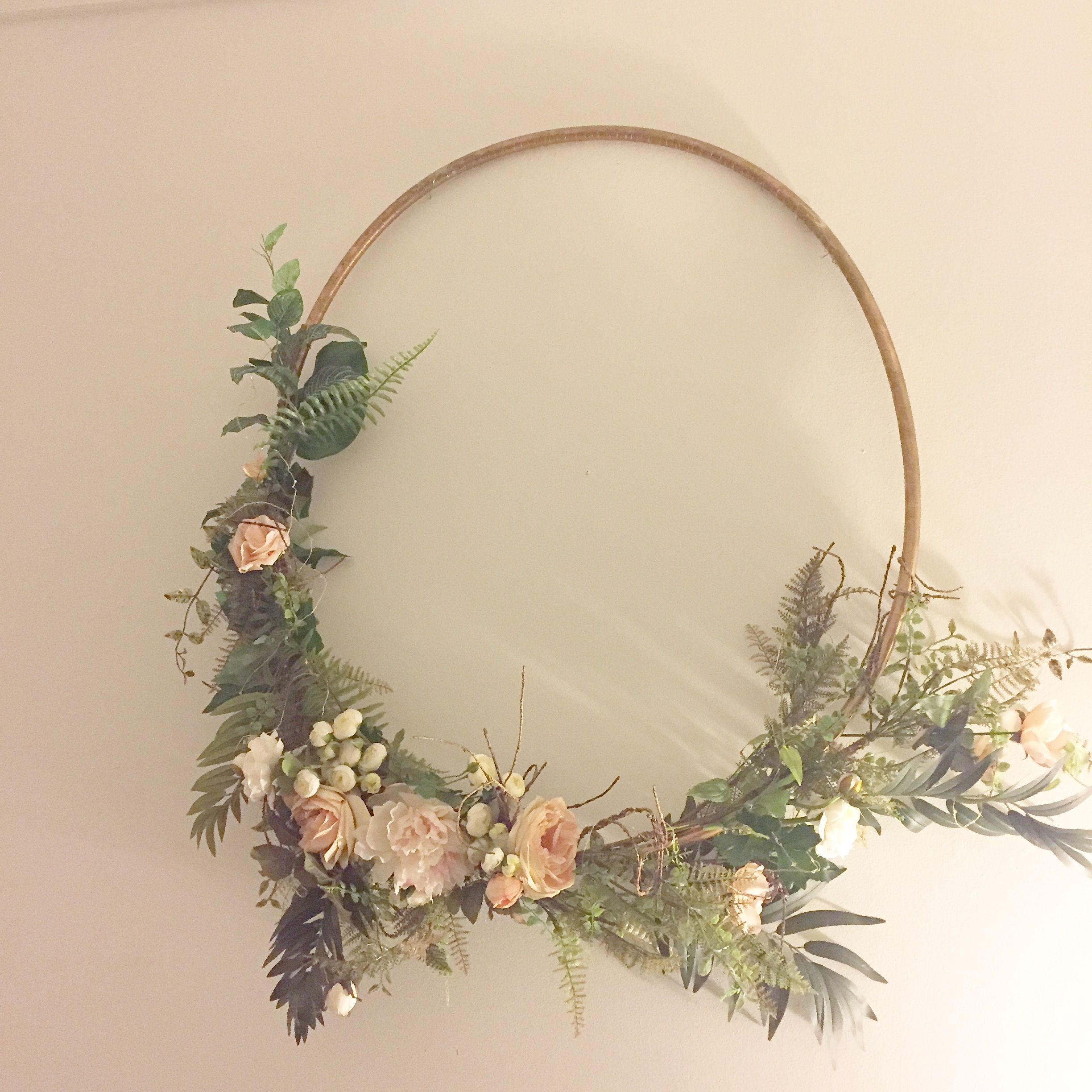 Floral wreaths for weddings showers or home decor this for Hula hoop decorations