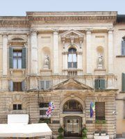 Accademia Hotel To learn more about #Verona click here:             http://www.greatwinecapitals.com/capitals/verona