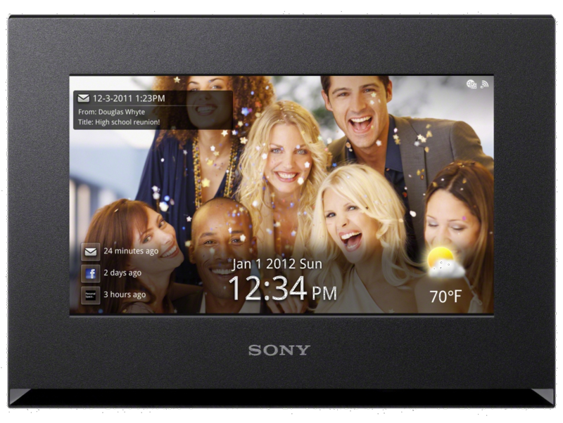 Sony WiFi digital picture frame can connect to social network sites ...