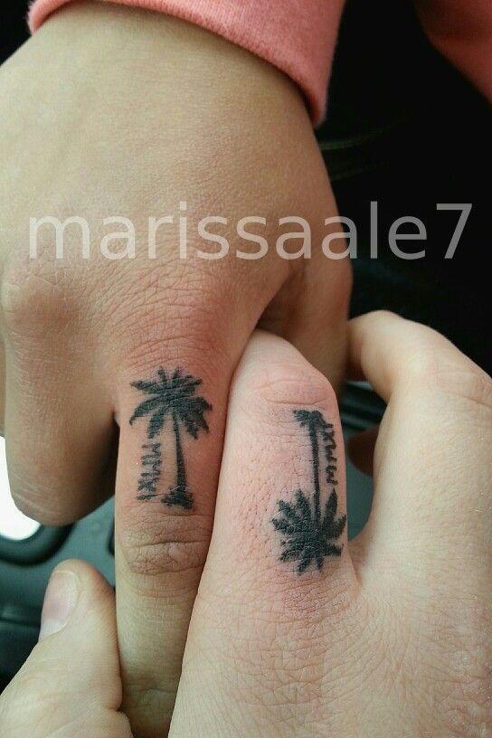 Tree Finger Tattoo : finger, tattoo, Finger, Tattoos, Tattoos,, Friend, Tattoo