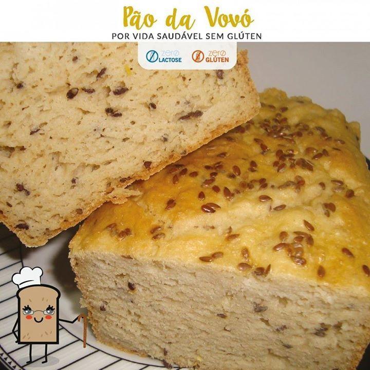 """Pão da Vovó ZERO GLÚTEN - ZERO LACTOSE INGREDIENTES DO MIX DE FARINHAS 200g de farinha de arroz 66g de fécula de batata 33g de araruta 6g de goma xantana INGREDIENTES DA MASSA 265g de Mix de Farinhas """"A"""" 40g de farinha de amêndoas 8g de fermento biológico seco 12g de açúcar demerara 25g de sementes de linhaça hidratadas (hidratar em água filtrada por 8 horas) 185g de água 40g de óleo 75g de ovos 3g de vinagre de maçã branco 5g de sal 3g de bicarbonato de sódio MODO DE PREPARO Misture na…"""