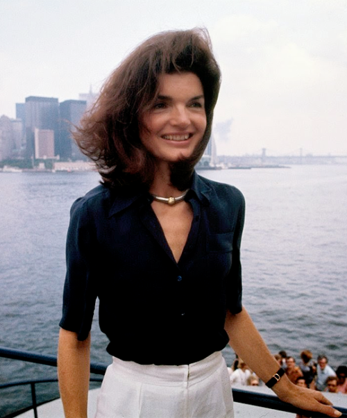 bobbykennedy jackie kennedy sur le staten island ferry at new york harbor 1976. Black Bedroom Furniture Sets. Home Design Ideas