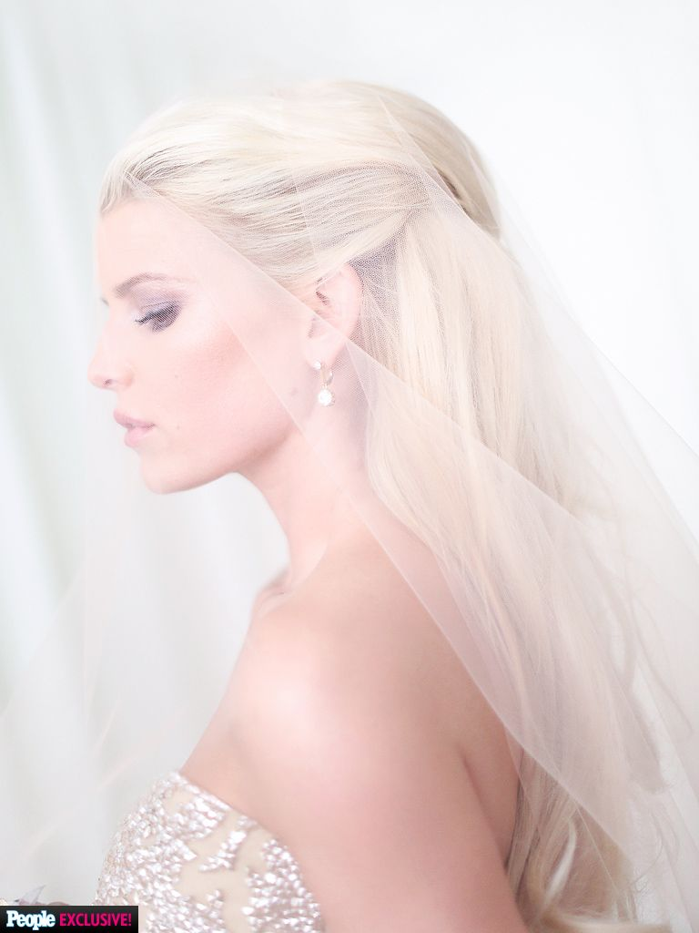 Steal Jessica Simpson's Pretty Half-Up Wedding Hairstyle