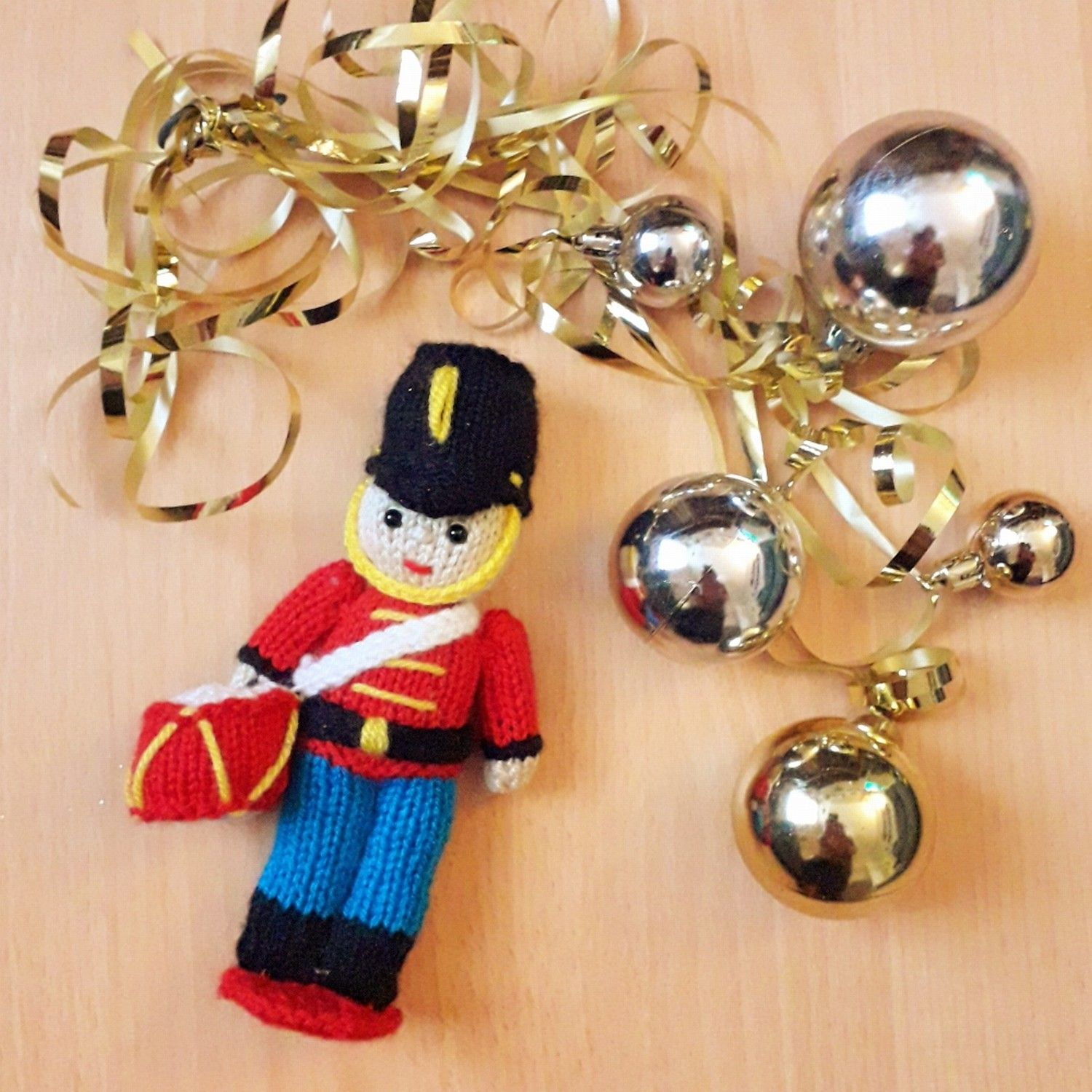 Toy Sol r Christmas decoration knitting pattern