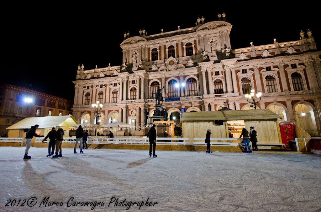Pattinare su ghiaccio a Natale a Torino