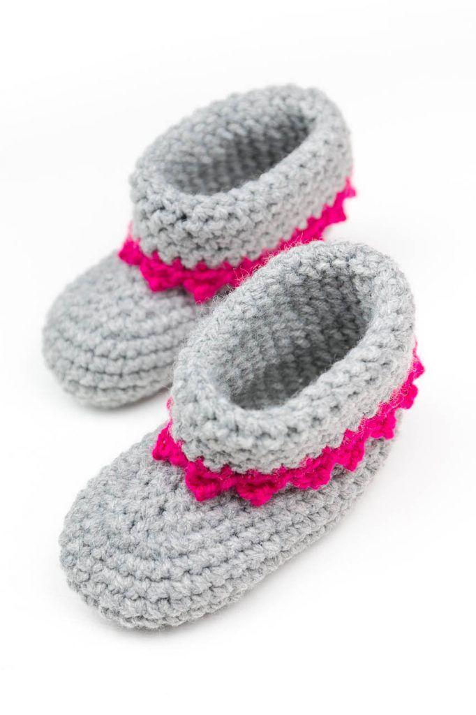 Babyschuhe mit Anleitung | Babies, Amigurumi and Crochet