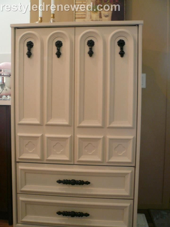 annie sloan chalk paint old white hardware painted in black acrylic rh pinterest de