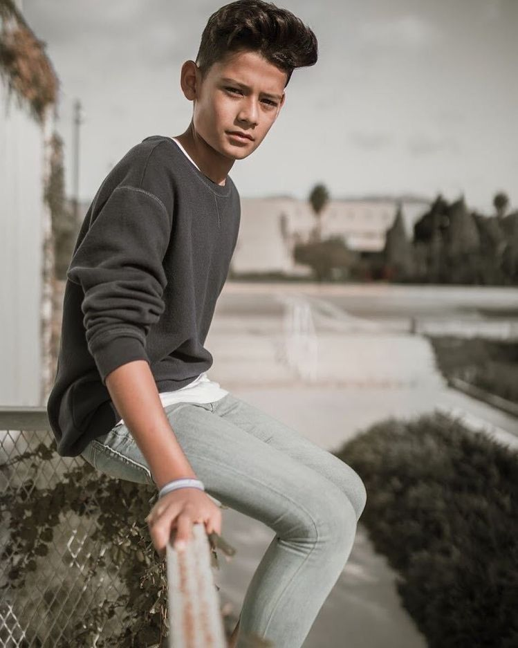 e0e2e77896850 Super Skinny Jeans Boys — 1. Good sexy boy 2. Ultra super skinny jeans,  very.
