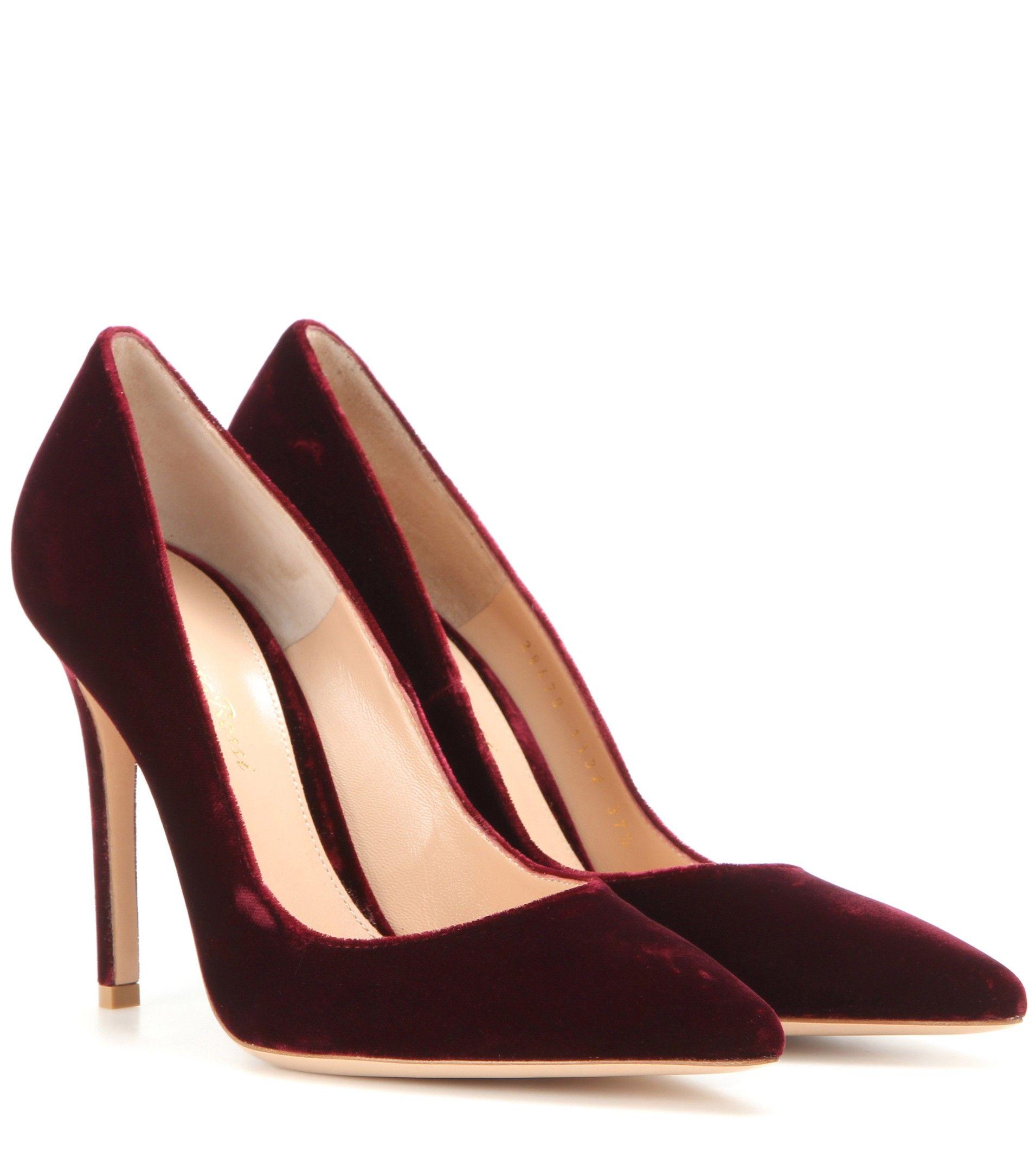 3e04cd9602c574 Escarpins en velours rouge grenat GIANVITO ROSSI | Chaussures en ...