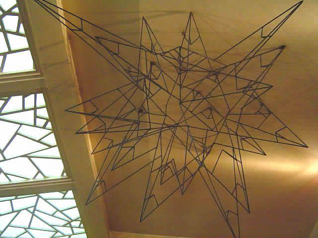 天井吊りオブジェ 計算された美しいデザイン オブジェ 天井