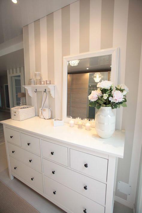 Die Tapete finde ich toll Mögliche Wandgestaltung fürs - spiegel für schlafzimmer