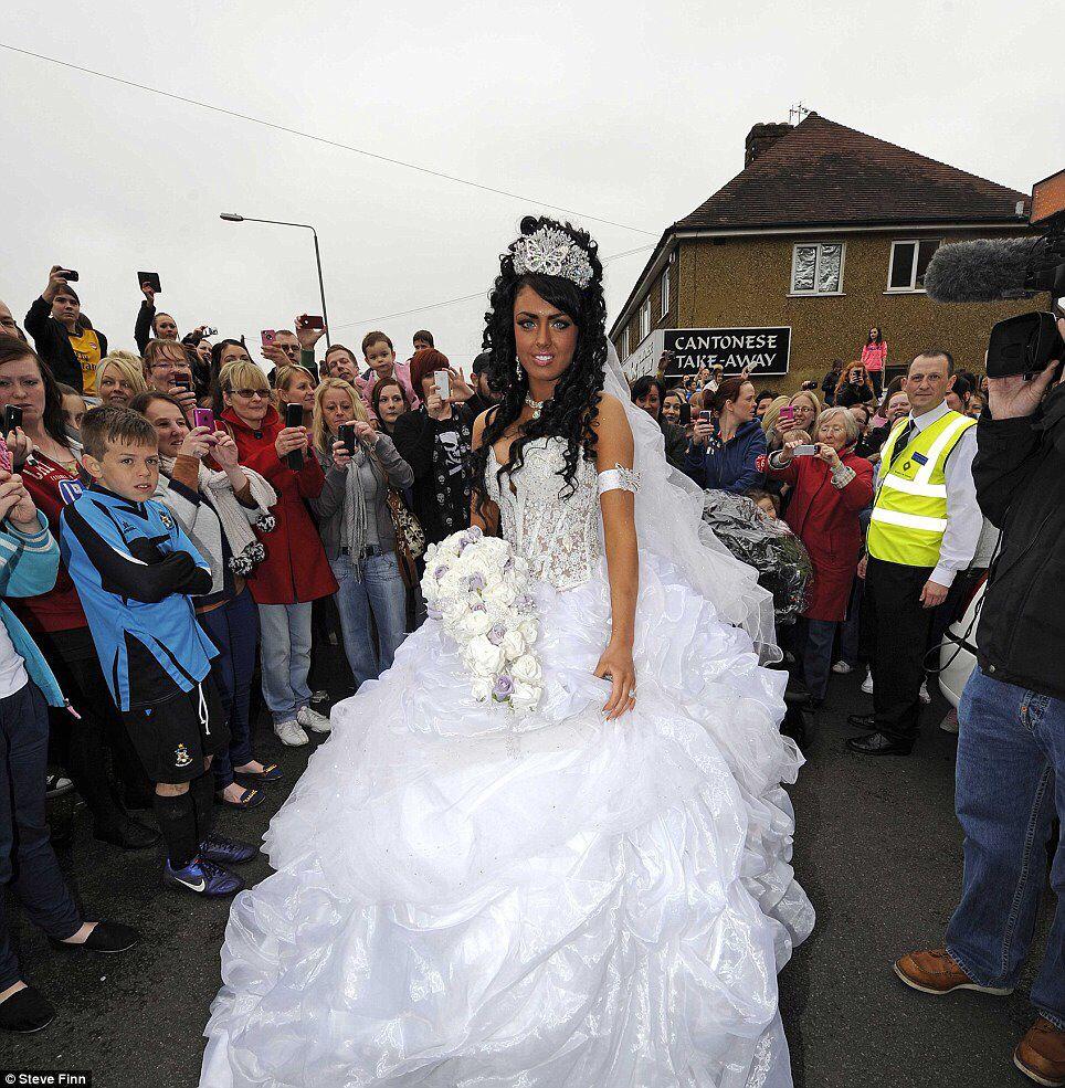 Big big wedding dress   weddin   Pinterest