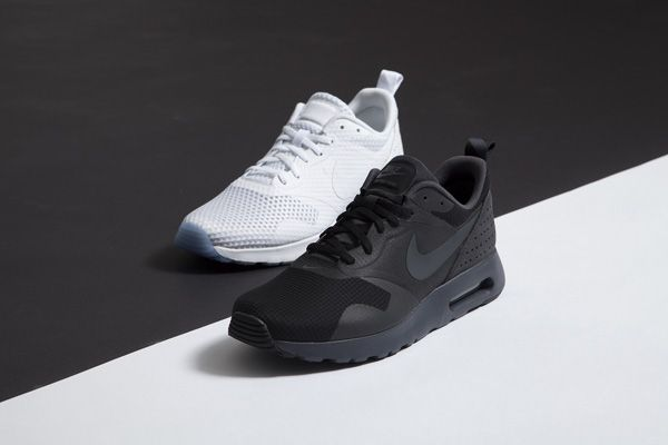 Nike Air Max Tavas Triple White Release