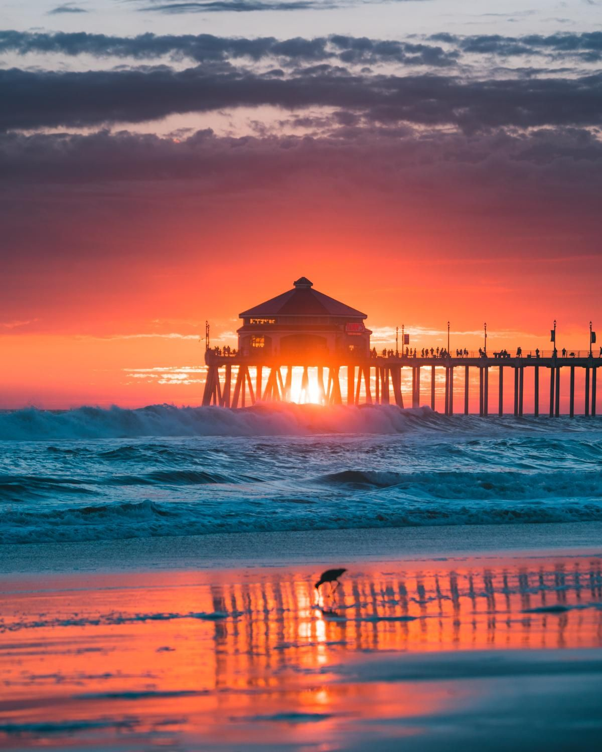 Itap Of A Sunset In Huntington Beach Photo Photography Photos Picture Pictures With Images Beach Sunset Photography Sunset Beach Pictures Sunset Photography