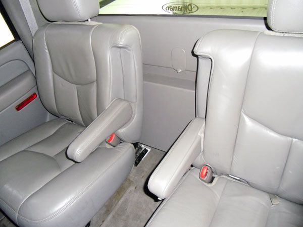 Rear Bucket Seats Taken From A Suburban And Installed On A