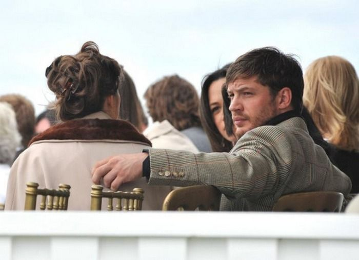 Tom Hardy & Charlotte Riley at the Cartier International Polo Day - July 26, 2009 / TH0073 (TH0088F)