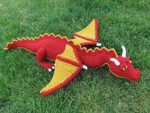 Amigurumi Drachen // Häkelanleitung bei Makerist | Toys Crochet ...