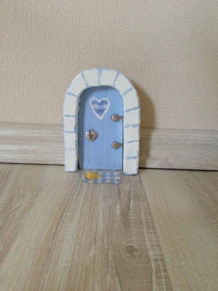 Kinderzimmer Shabby Chic mäusetür shabby chic für kinderzimmer blau weiss hasterklabaster
