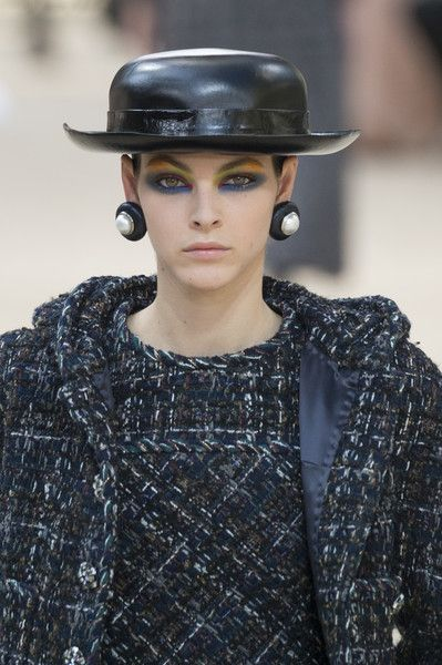 Chanel at Couture Fall 2017 - Details Runway Photos