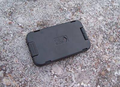 TechnoGadget: Flipside Strata Wallet Review