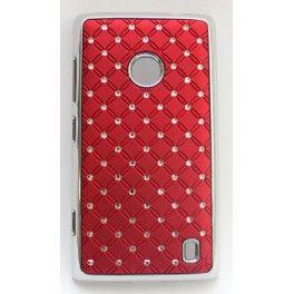 """Näyttävä suojakuori Lumia 520:n. Kuoren reunukset ovat kiiltävää """"hopeaa"""" ja takakannessa on viininpunaisella taustalla pieniä tekojalokivia."""