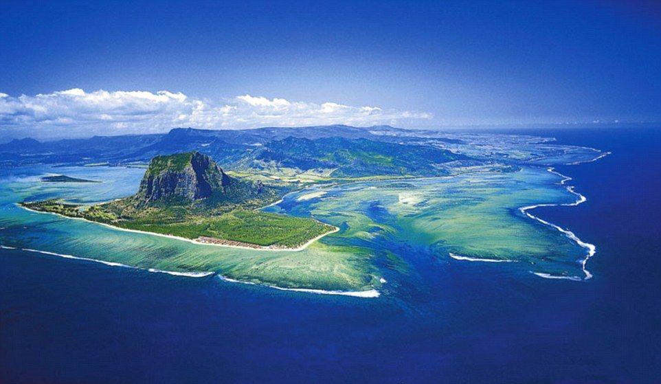 Stunning Pictures Taken Above Mauritius Create Underwater Vortex Cool Places To Visit Mauritius Island Mauritius Resorts