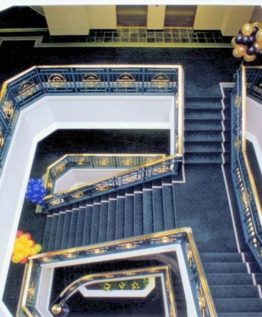 Best This Grand Staircase Is Custom By Great Lakes Stair 400 x 300