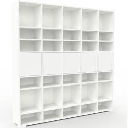Photo of Wohnwand Weiß – Individuelle Designer-Regalwand: Türen in Weiß – Hochwertige Materialien – 195 x 196