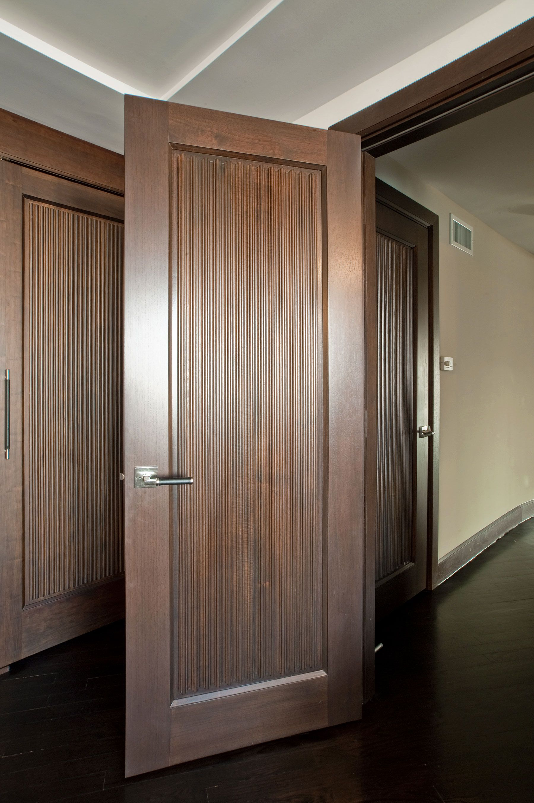 Custom Wood Interior Doors Custom Interior Solid Wood Door Custom Ridges Dbi 580 Glenview Ha Doors Interior Modern Solid Core Interior Doors Doors Interior