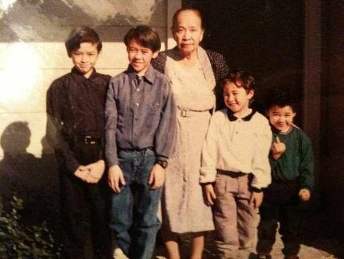 40 Awkward Family Photos That Will Make You Laugh