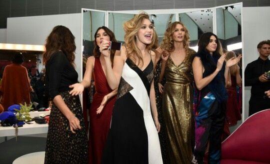 Gigi con sus amigas