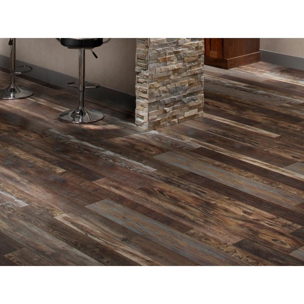 Bruce Old Homestead Random Width Laminate Floor Decor In 2020 Flooring Laminate Flooring Barnwood Floors