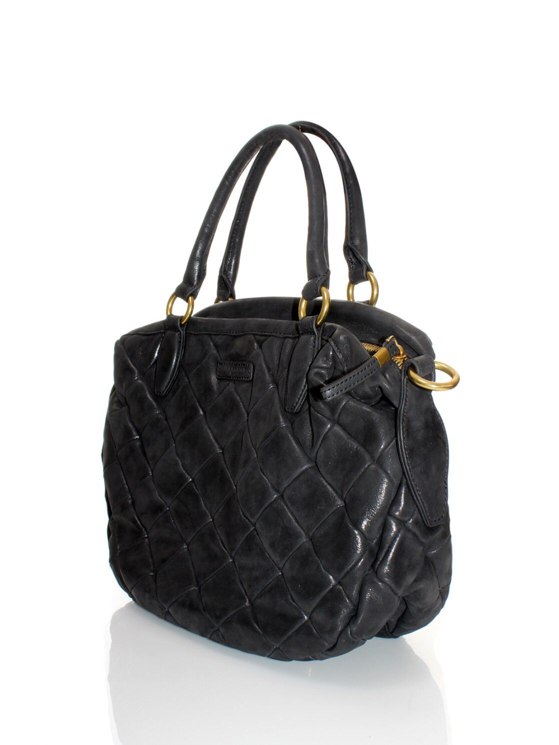Image from http://www.orangebag.nl/cache/167429/1120_1491___/liebeskind%20bags%20shoulderbags%20and%20totes.jpg.