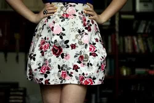 this floral pattern is so pretty!