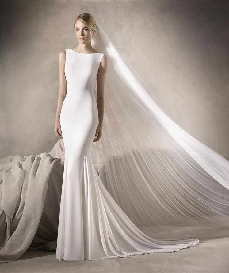 Superb Harlow from La Sposa