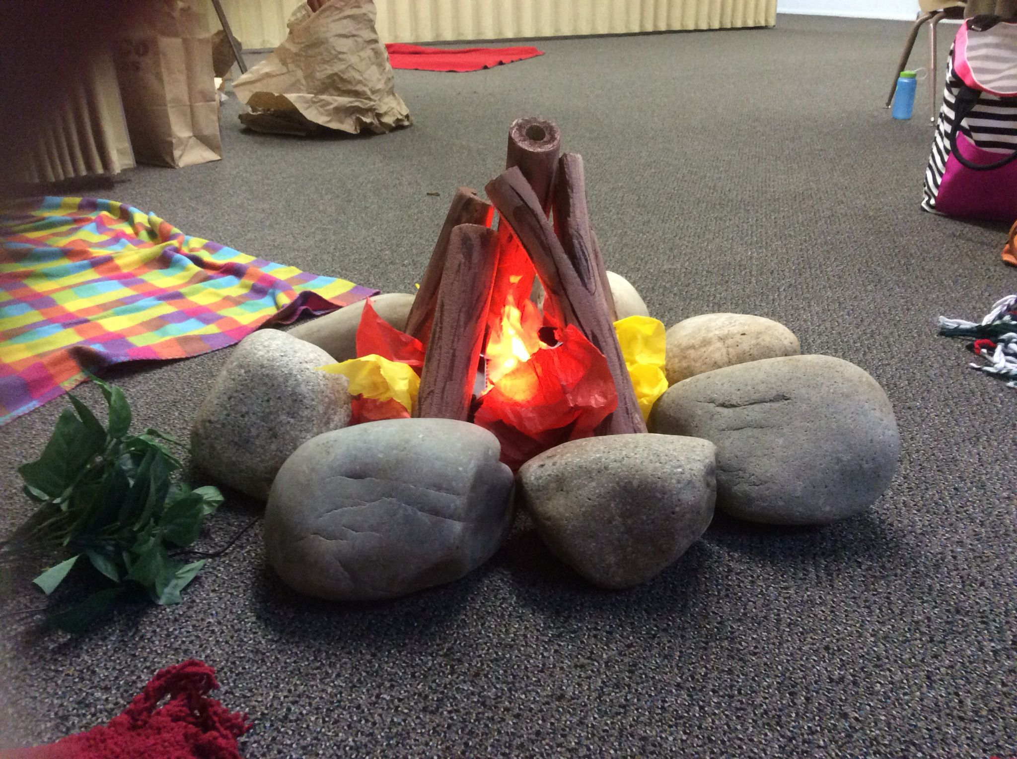 best 25 fake campfire ideas on pinterest fake fire cubs play