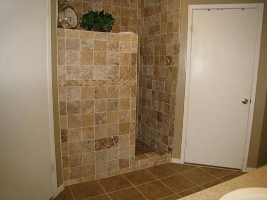 Doorless Walk In Shower No Glass Showers Without Doors Shower Doors Tile Walk In Shower