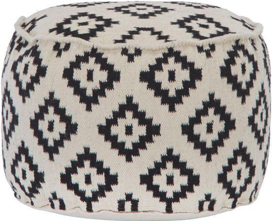 Dekorativer Pouf in Weiß und Schwarz - ein Sitzplatz im Ethno-Look