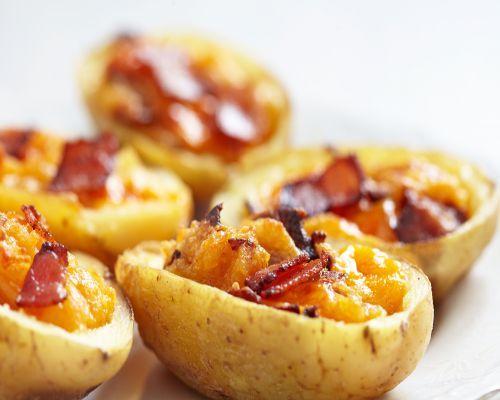 patatas con queso crema y bacon al horno