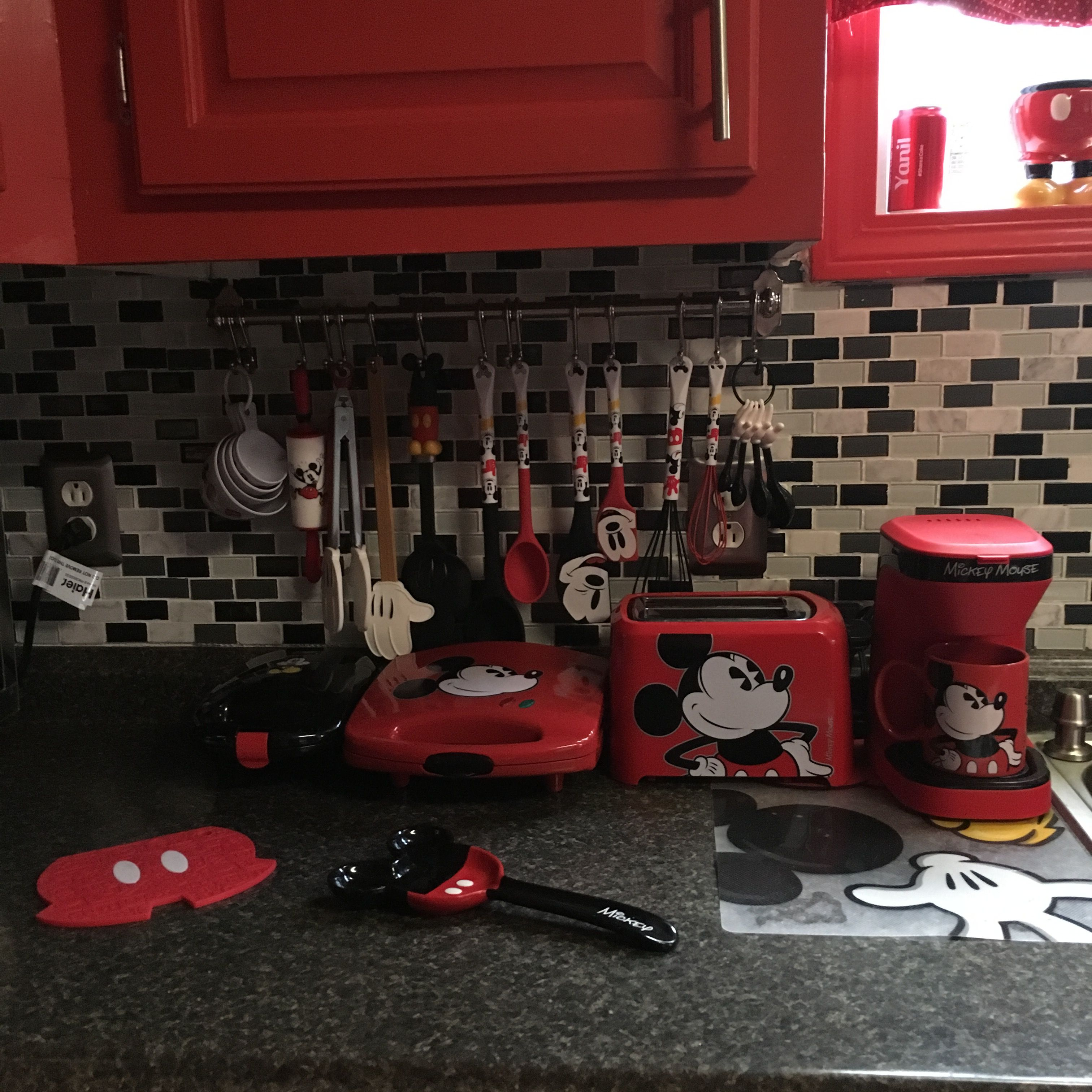 Mickey And Minnie Mouse Kitchen