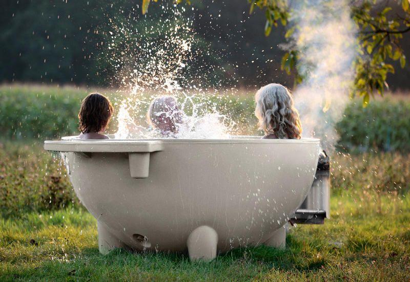 Vasca Da Esterno : Dutchtub di weltevree è una vasca da esterno pensata per godere