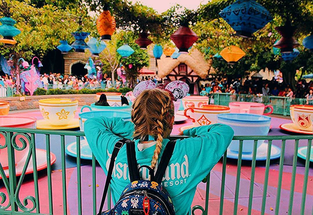 Photo of 18 Magical Disneyland Picture Ideas: The Ultimate Disneyland Photography Guide